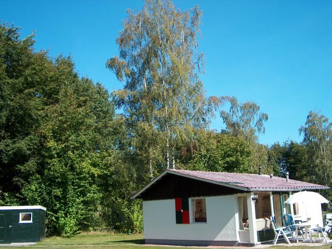 gratis wifi, luxe bungalow, bungalow met zwembad, bungalow exloo, bungalow drenthe, schone bungalows, grote bungalow, bungalow met tuin, landgoed hunzebergen