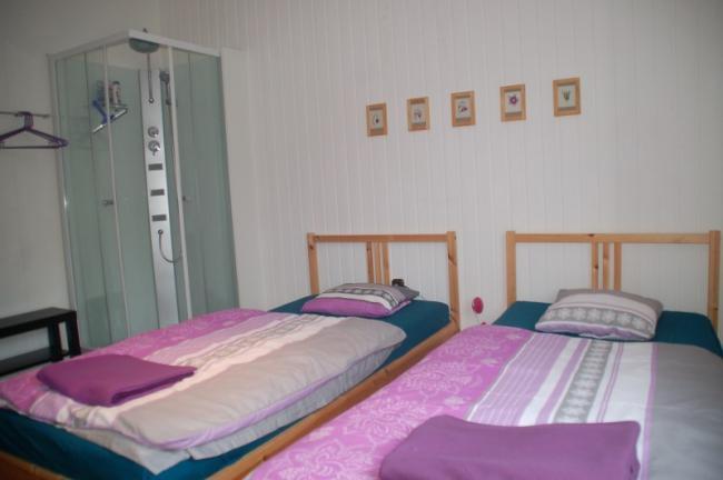 Slaapkamer begane grond met eigen douche
