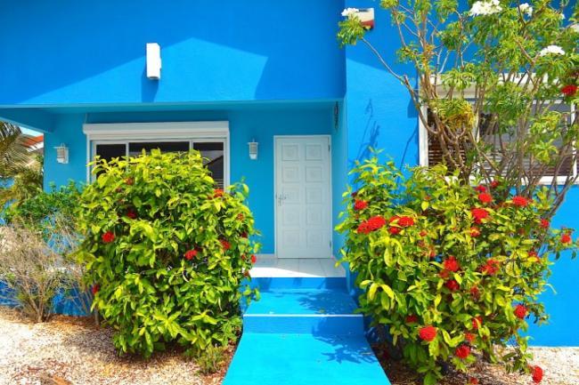 De toegang tot Villa Blou Curacao