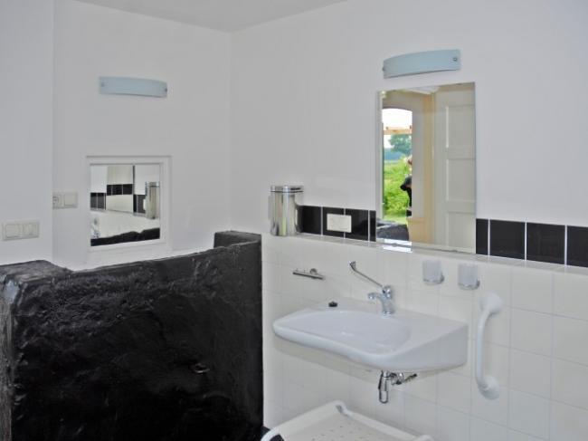 Rolstoeltoegankelijke badkamer