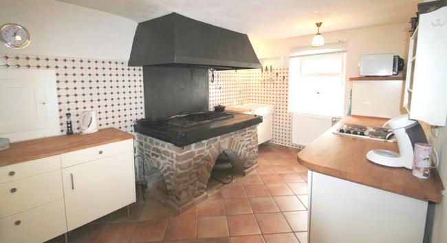Volledig ingerichte keuken met unieke binnen grill
