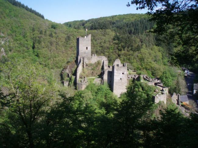 Manderscheider Burchten uit de 13-de eeuw