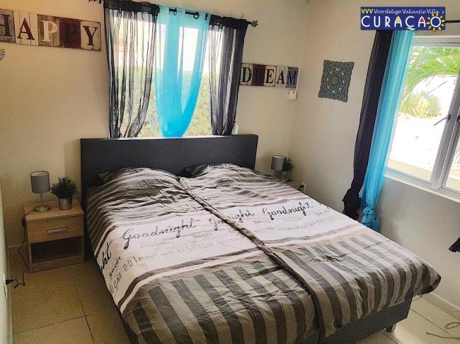 Eén van de drie slaapkamers van Villa Marbella Jan Thiel