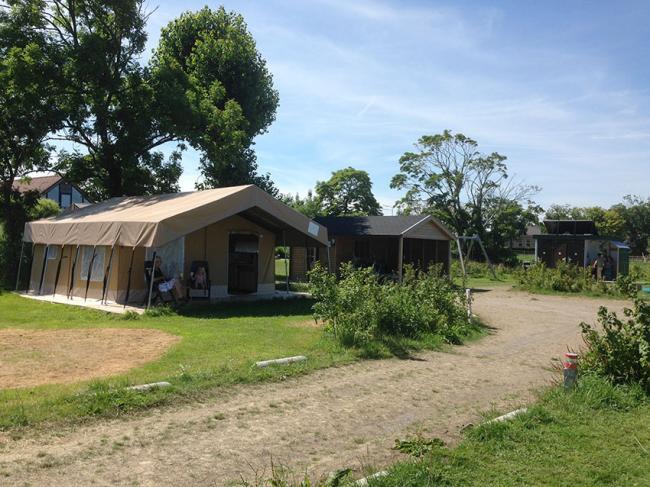 Camping 05_safaritent receptie sanitair