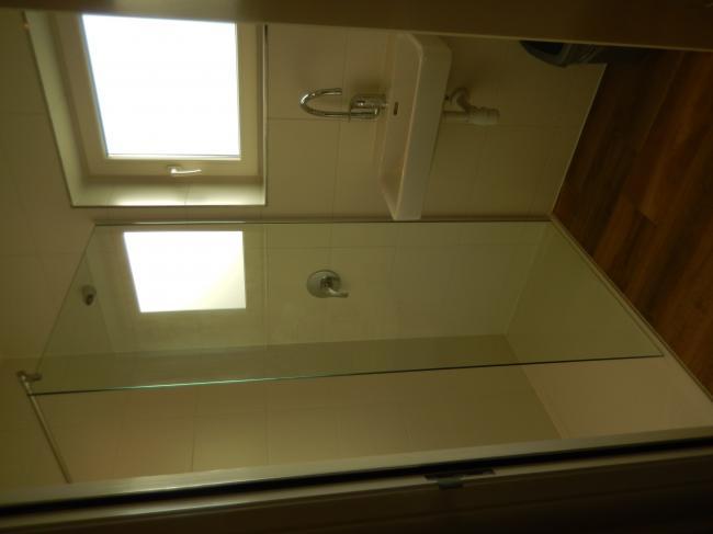 Slaapkamer boven sanitair