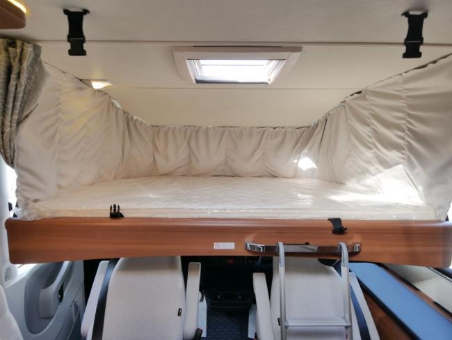 LMC I740 Bed voor