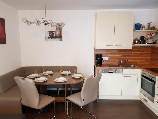 Appartement in Kaprun eetgedeelte