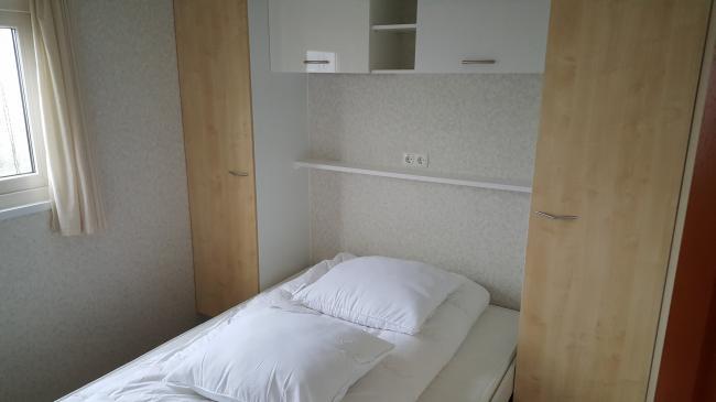 slaapkamer 1 bed 140x200