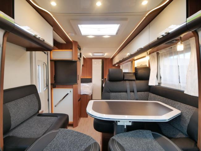 LMC Premium T711 Cruiser