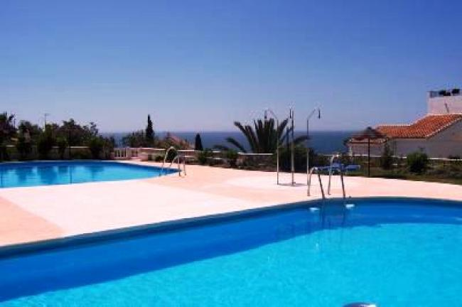 appartement met zeezicht Capistrano Playa, Nerja, zuid Spanje met gemeenschappelijk zwembad