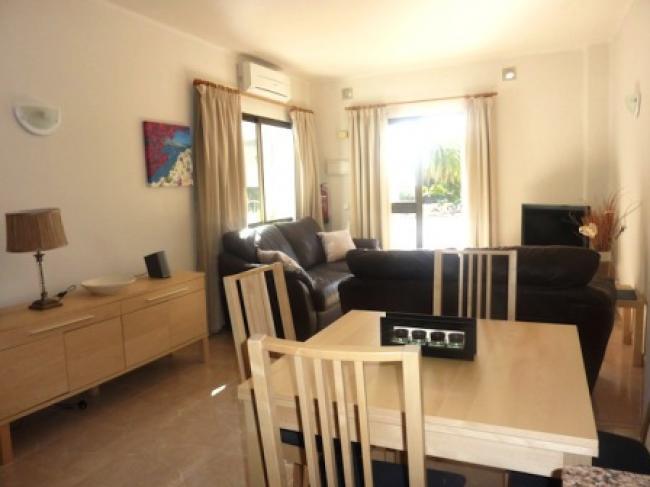 appartement in capistrano Playa, Burriana met zeezicht en gemeenschappelijk zwembad. in Nerja.