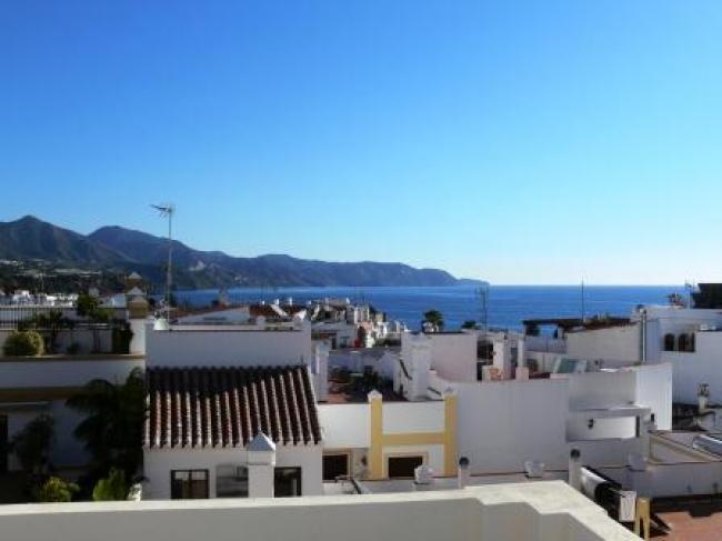 Appartement te huur in het centrum van Nerja in Zuid Spanje op een steenworp afstand van het Balcon de Europa.