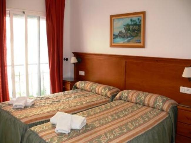 Appartement met 1 slaapkamer direct aan het Burriana strand in Nerja