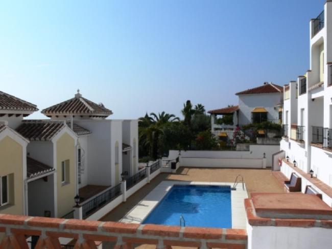 appartement in Chimenea, Nerja met gemeenschappelijk zwembad nabij het Burriana strand