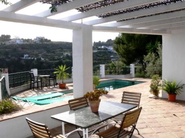 villa met prive zwembad in natuurlijke omgeving tussen Nerja en Frigiliana, Zuid Spanje