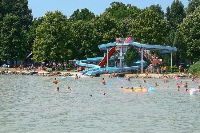 Balatontourist Camping en Bungalows Füred