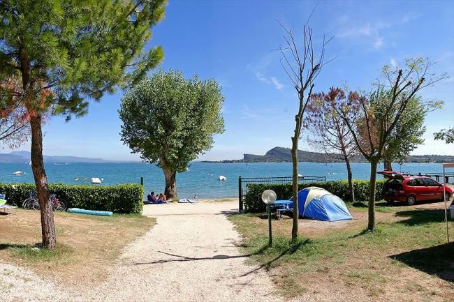 Uitzicht op het Gardameer