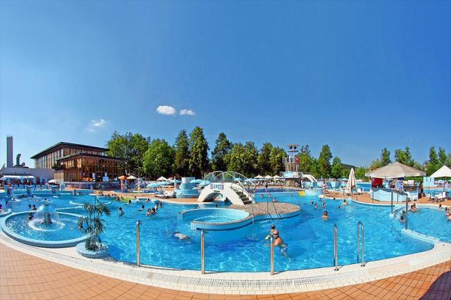 Ljubljana Resort (hotel en camping)