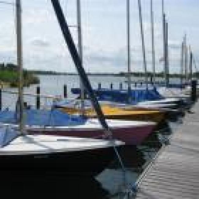 Ligplaatsen Jachthaven 't Loo