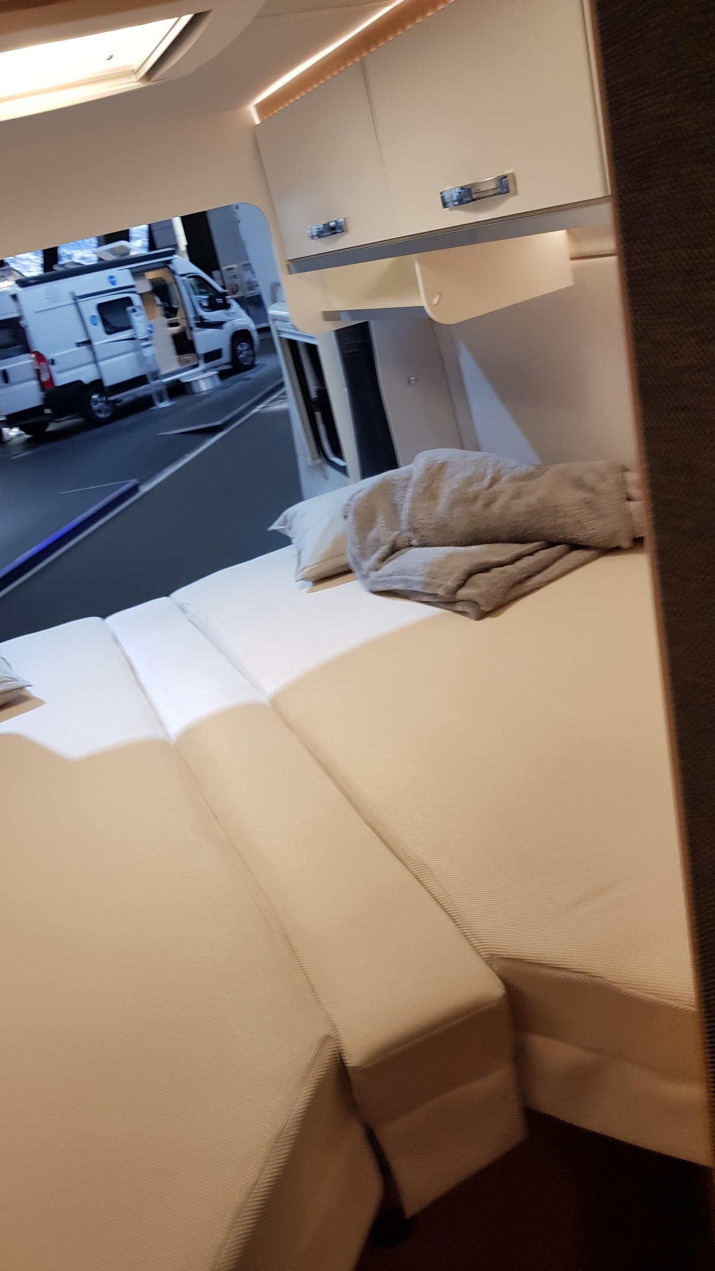 Verhuur Buscamper Lengte bedden 6,36 Lang Weinsberg-Caratour 630 ME Type 3