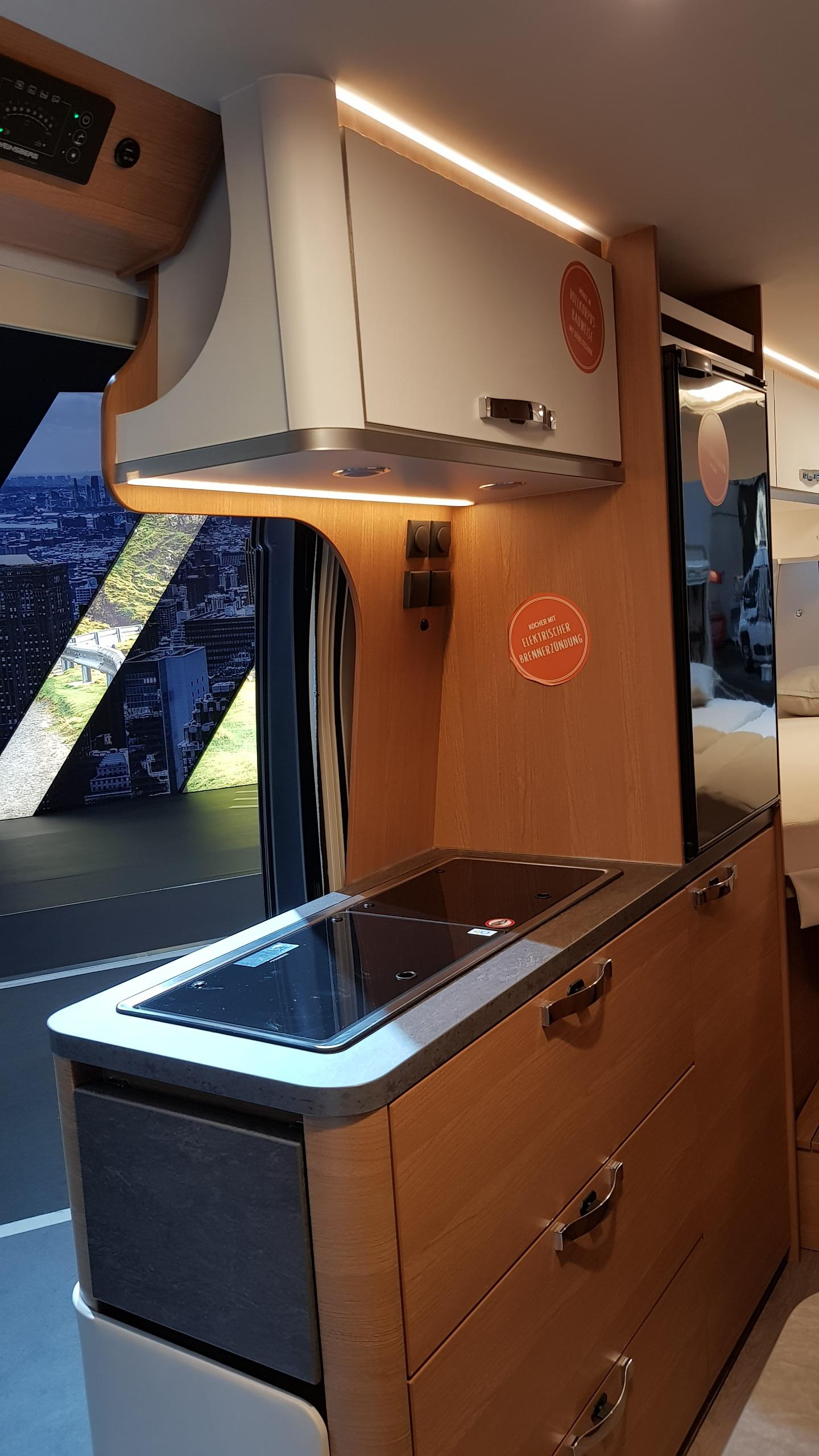 Verhuur Buscamper Lengte bedden 6,36 Lang Weinsberg-Caratour 630ME Type 3