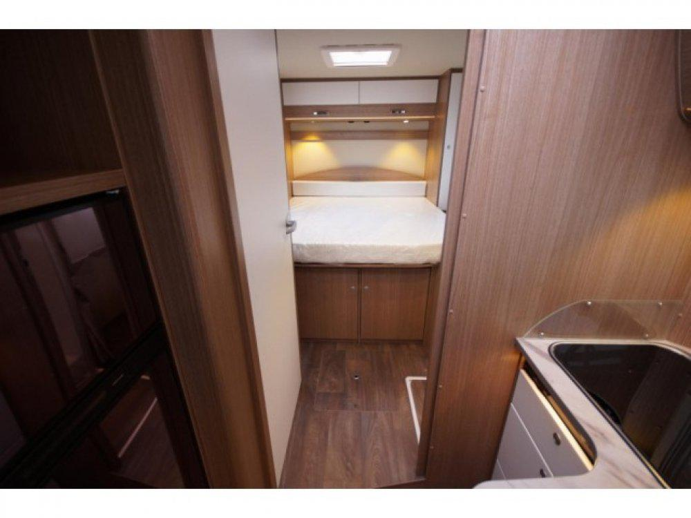 Hymer-Carado-T449-Automaat-Queensbed-Type 9