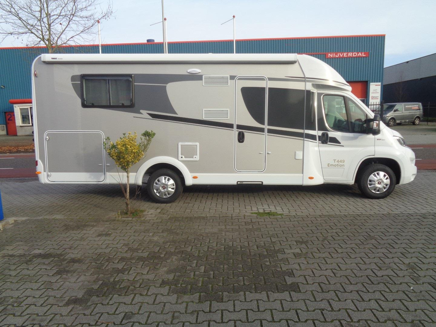 Type 10 Luxe Family  Hymer-Carado-T449 Queensbed