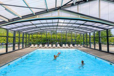 overdekt zwembad vakantiepark het Akkertien