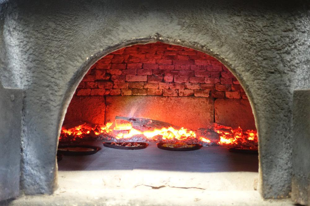 Onze houtoven / notre four / our oven