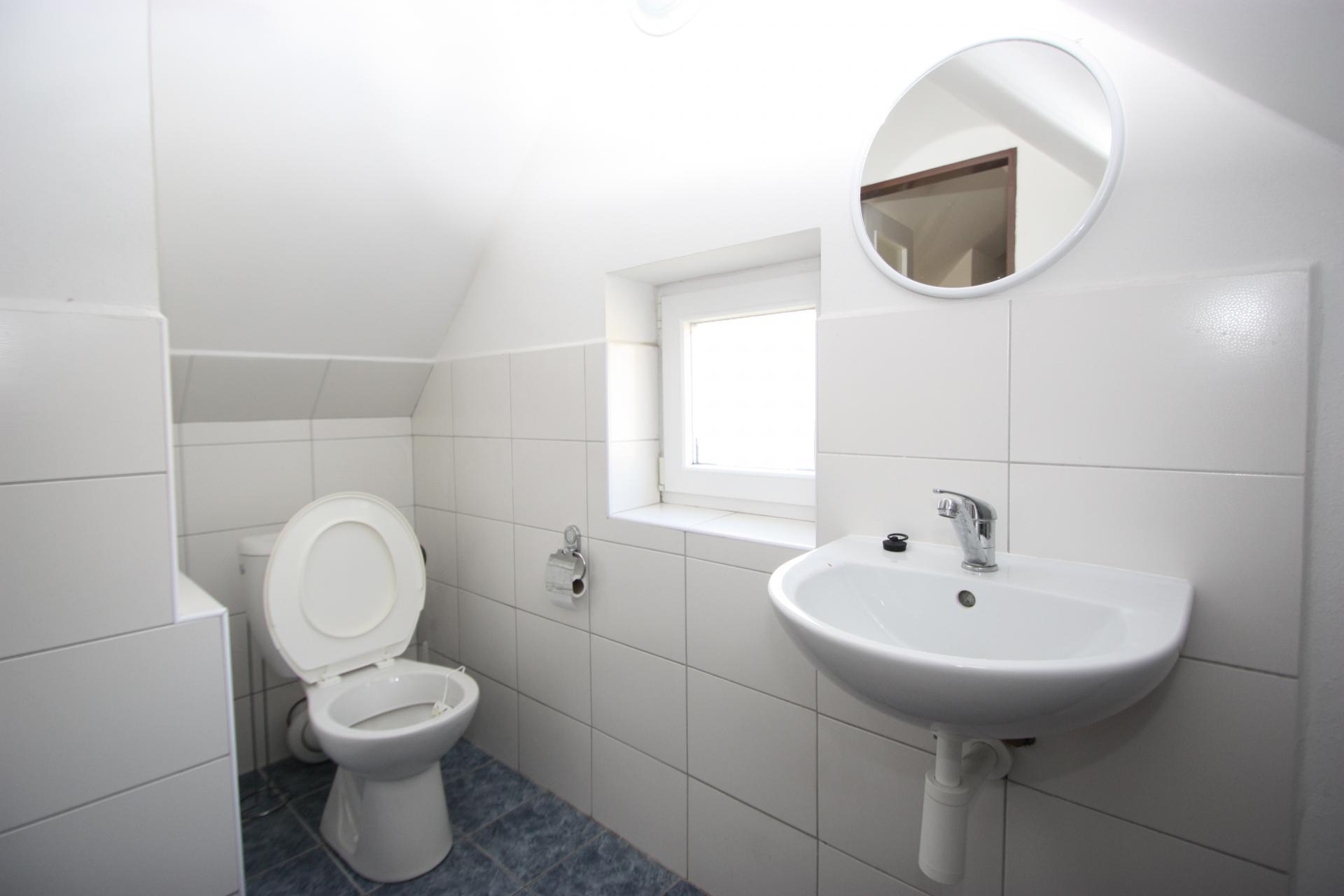 Wasgelegenheid 2e etage