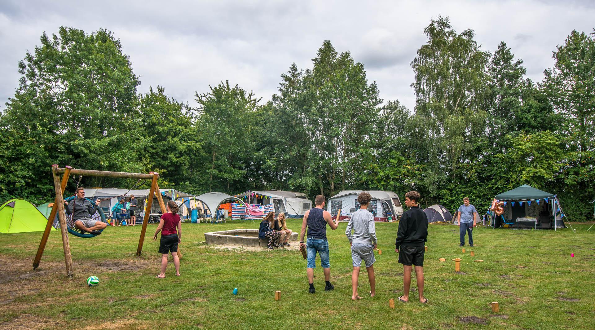 Vakantiepark De Sikkenberg Trekkershut 4 personen Onstwedde Westerwolde Groningen Drenthe