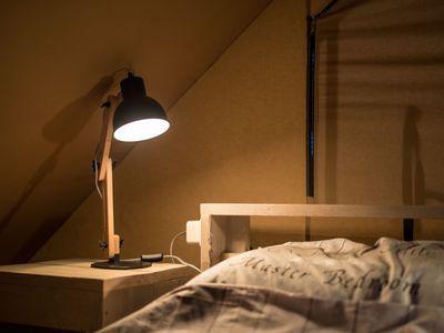 Bed en kast - camping De Boshoek 4-persoons luxe safarilodge