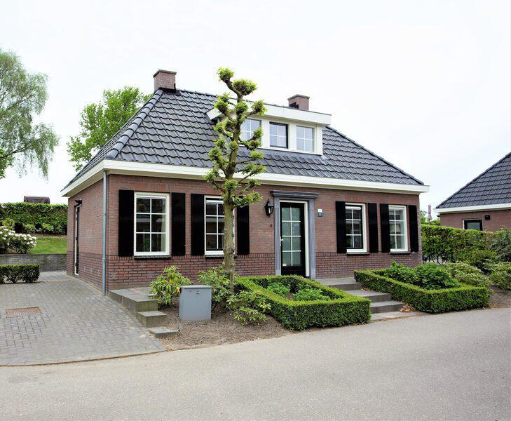 Familiehuis Nunspeet Notariswoning Met TV 8 personen