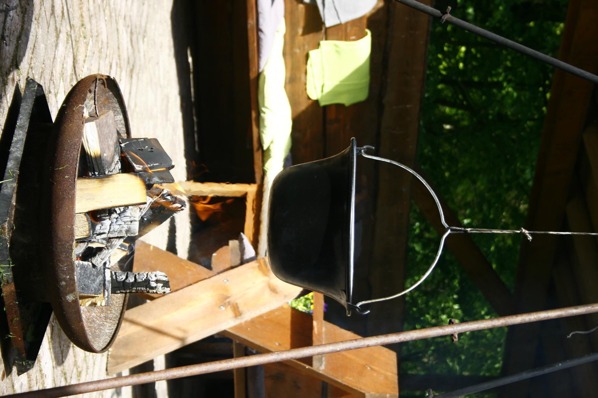 Koken op kampvuur