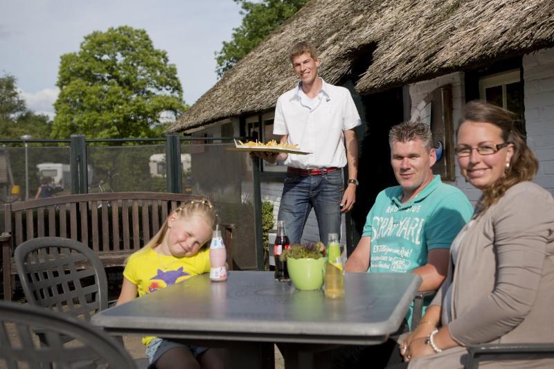 Camping Si-Es-An Comfort plus kampeerplaats Balkbrug