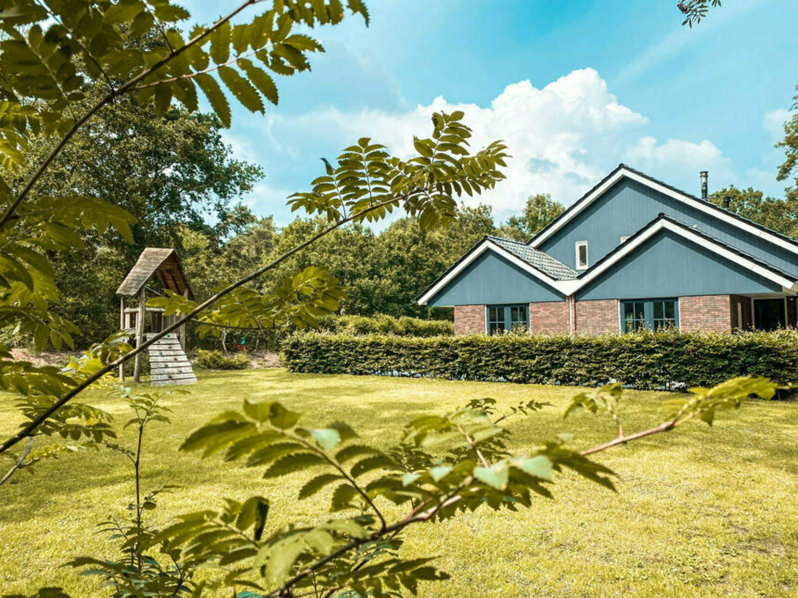 Beerze Bulten Familiehuis de Jeneverbes 16 personen Beerze Overijssel