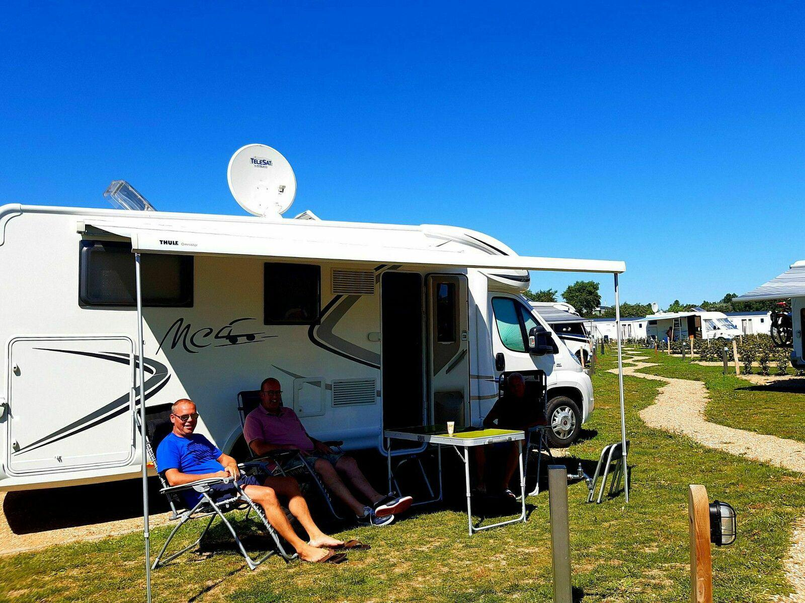 Camperplaats voor 6-personen in West-Vlaanderen | Kompas Camping Westende