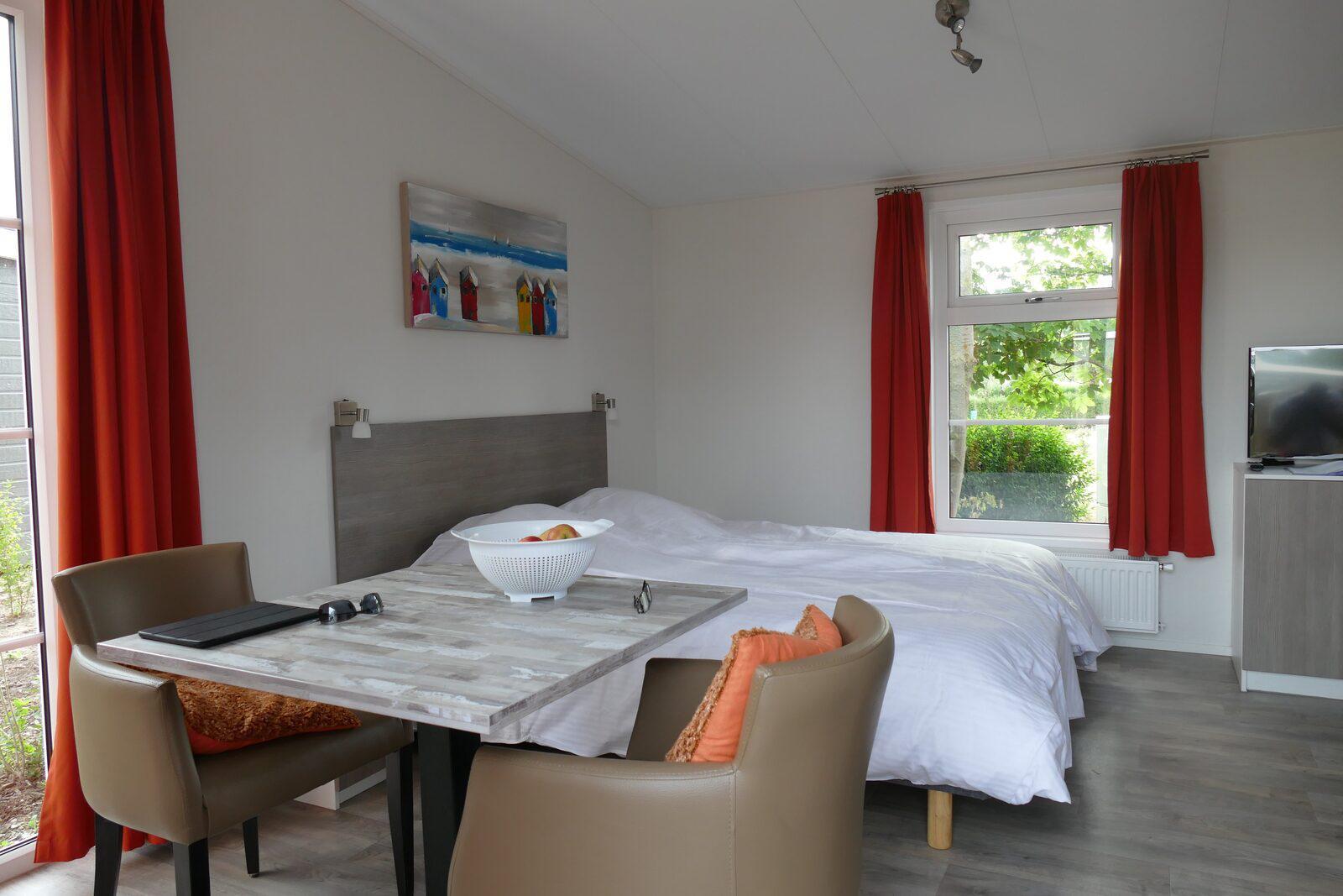 Comfort Lodge voor 2-personen in West-Vlaanderen   Kompas Camping Westende