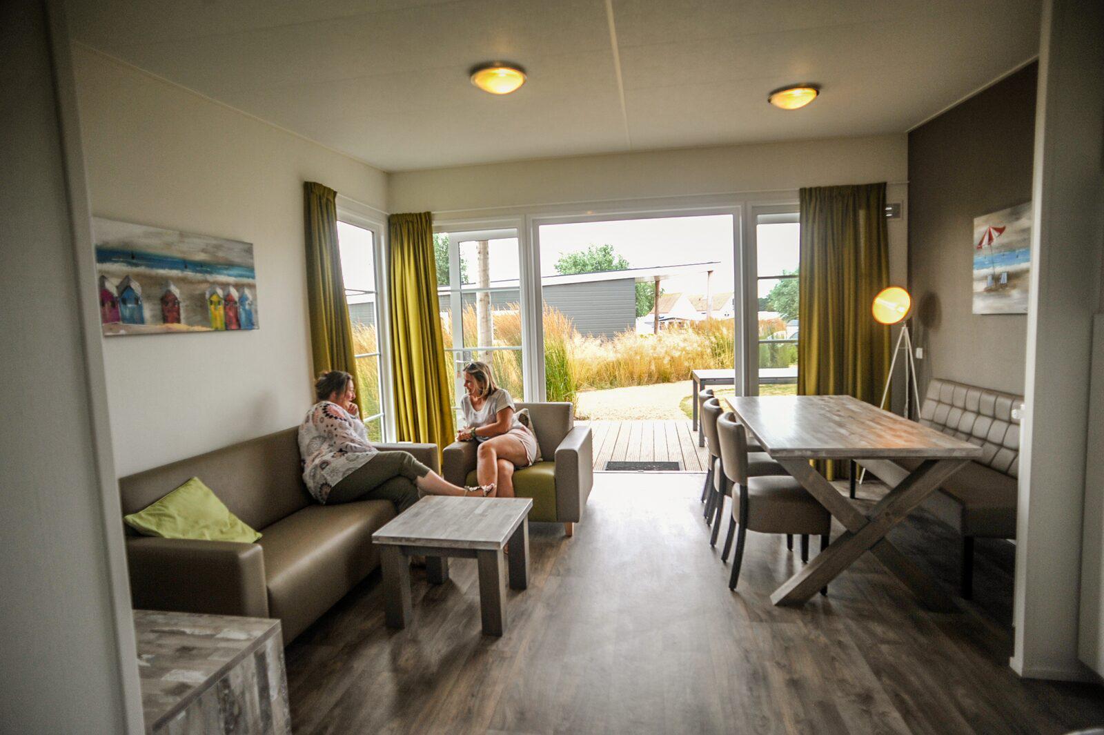 Comfort Lodge voor 6-personen honden toegestaan in West-Vlaanderen | Kompas Camping Westende