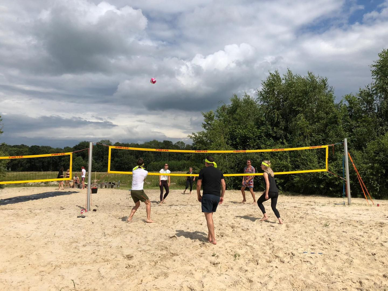 Strandvolleybal - groepsaccommodatie Vliersche Veld in Neede (Achterhoek, Gelderland)